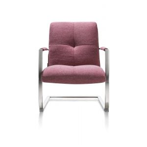 hen_magrit_fauteuil_rood_front.jpg